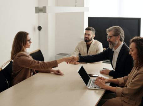 Comment créer un programme de cooptation ultra efficace