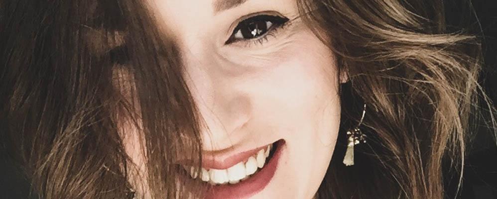 """Portrait de Andréa, Assistante de Direction chez iWE : """"Je suis le couteau suisse de l'entreprise"""""""